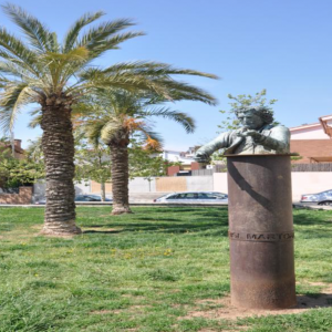 Monument a Oriol Martorell